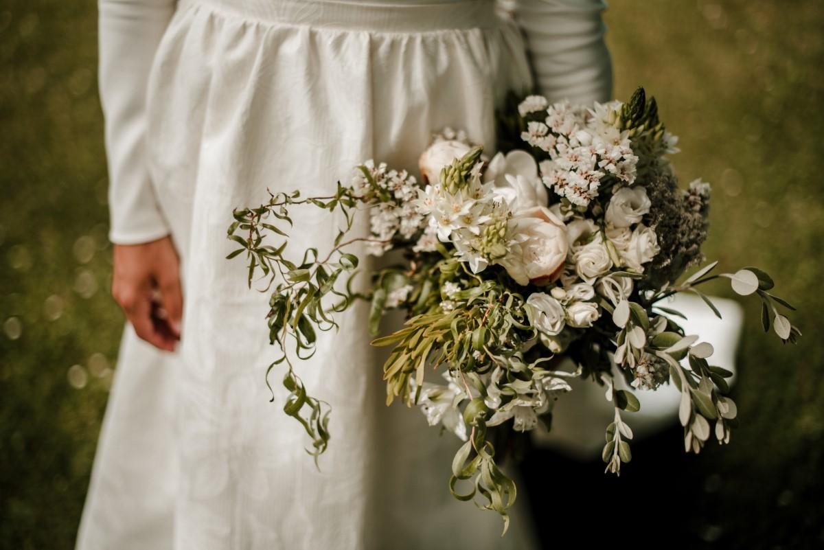 Organización de bodas en Bizkaia novia ramo