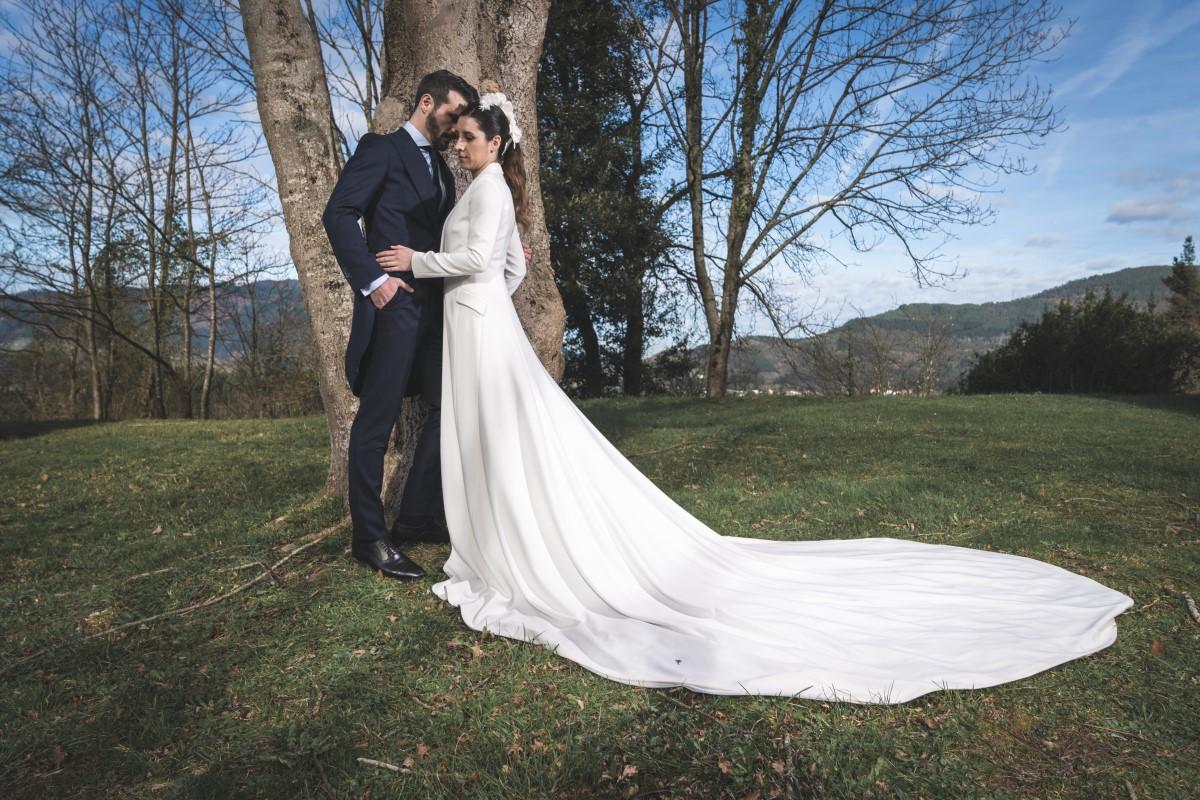 Organización de bodas en Bizkaia pareja novios vestido